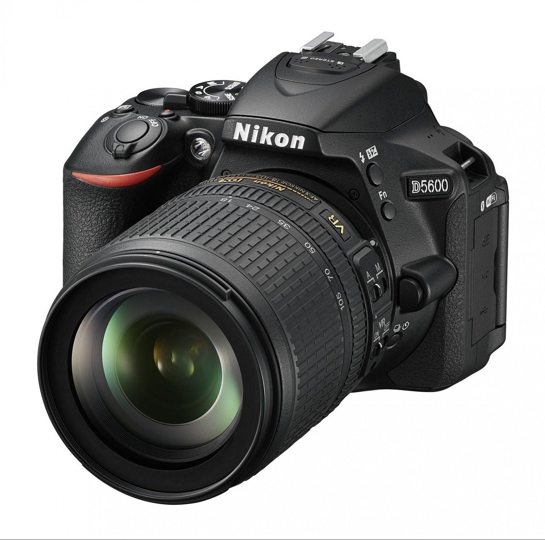 Фотоаппарат Nikon D5600 Kit 18-105 VR